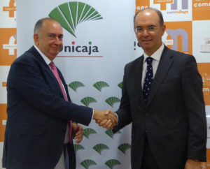 Los médicos colegiados de Málaga se benefician de las condiciones del convenio con Unicaja