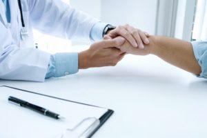 El juramento médico se renueva para introducir la autonomía y dignidad del paciente