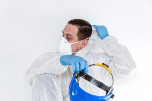 El CGCOM celebra la prórroga para que los contagios y fallecimientos por COVID-19 en sanitarios sigan considerándose accidente de trabajo
