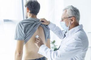 El Informe de la Demografía Médica en Andalucía refleja un envejecimiento de la población médica